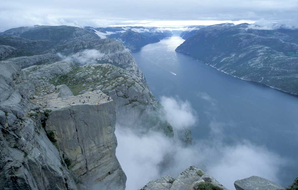 Preikestolen in Stavanger: unique attraction in Norway_11