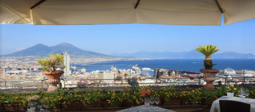 Mice all'ombra del Vesuvio. l'Hotel San Francesco al Monte_5