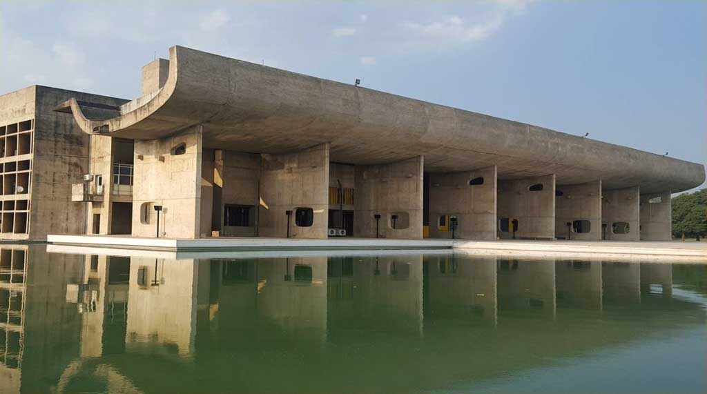 Opera architettonica di Le Corbusier, India