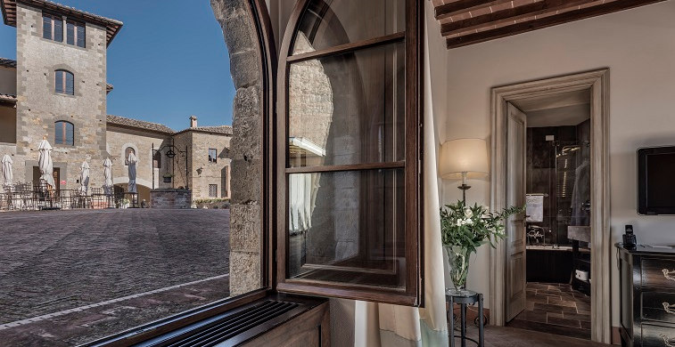 Castel Monastero Luxury Tuscan Retreat_location_Toscana_11